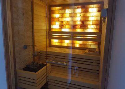 Sauna mit Himalaya-Salz